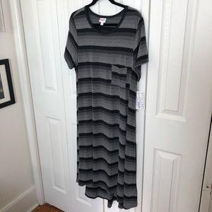 NWT LuLaRoe Black/Gray Striped Carly